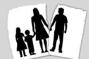 family-3090056_960_720